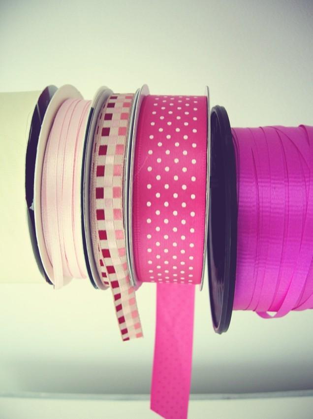ribbon dispenser