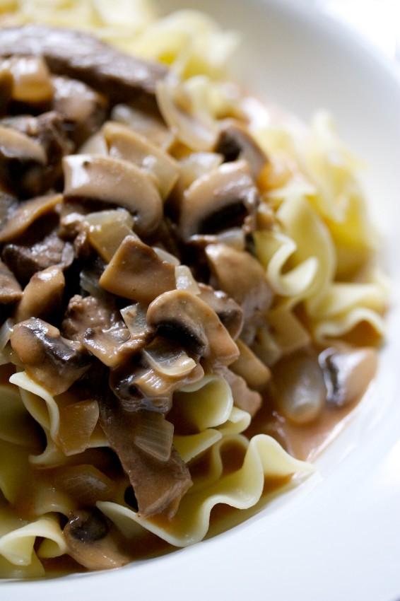 beef stroganoff | movita beaucoup
