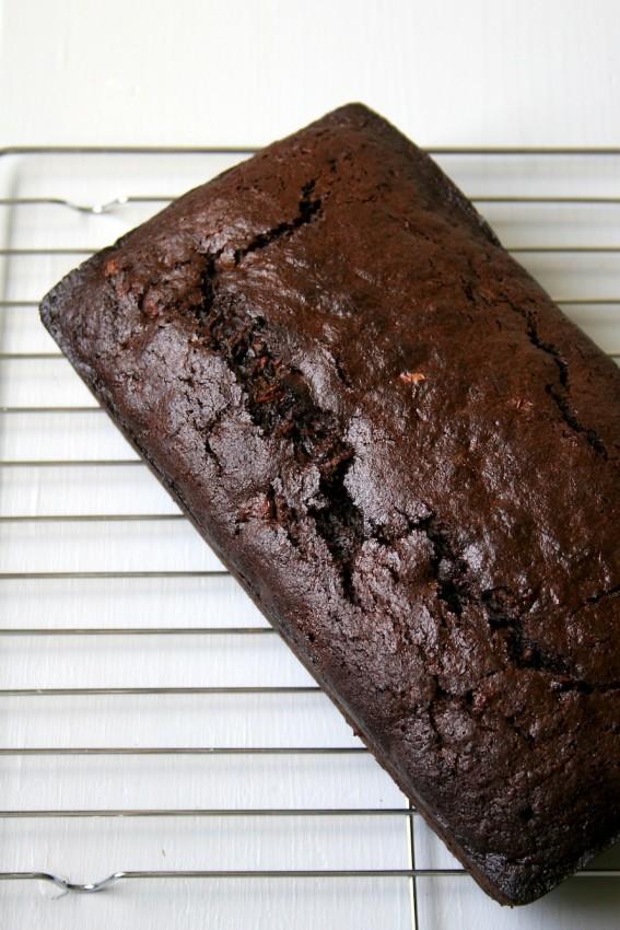 chocolate zucchini bread | movita beaucoup