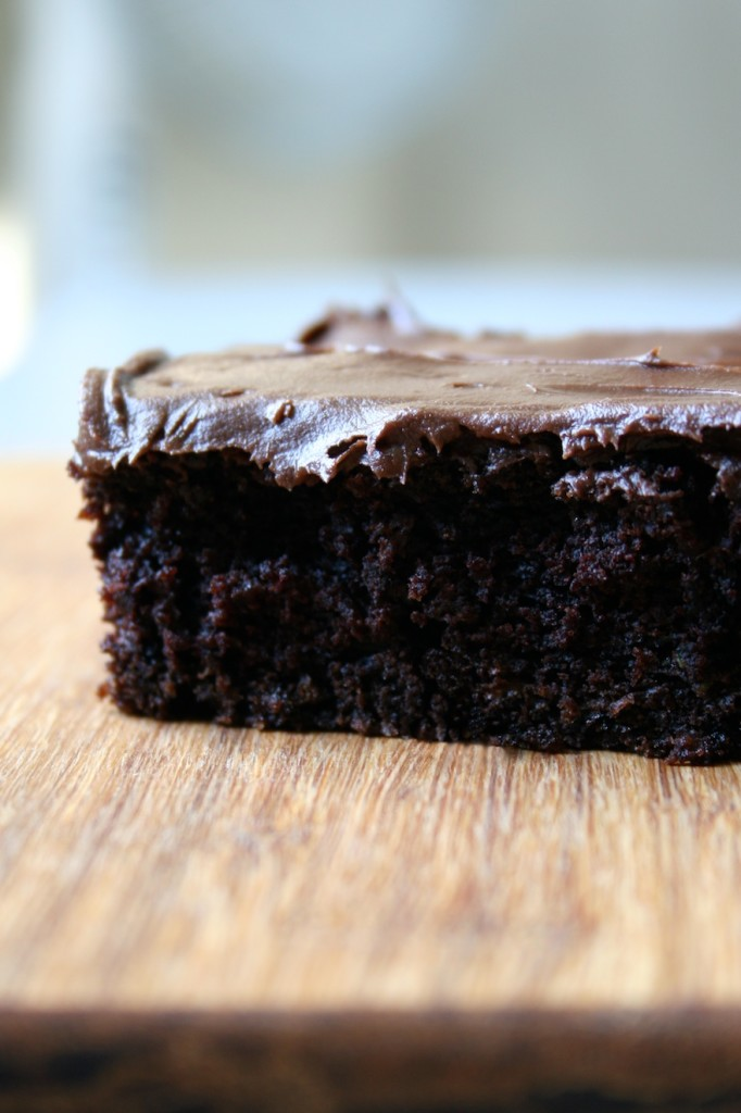zucchini brownies | movita beaucoup