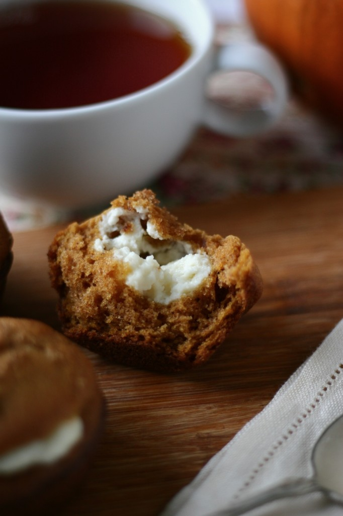 pumpkin cheesecake muffins | movita beaucoup