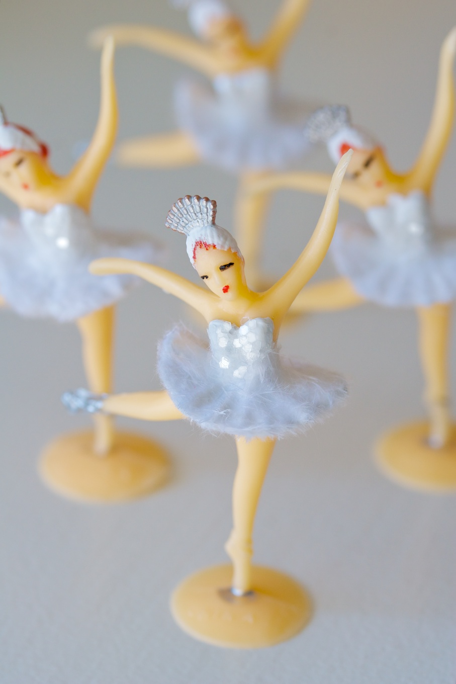 swan lake cupcake toppers | movita beaucoup