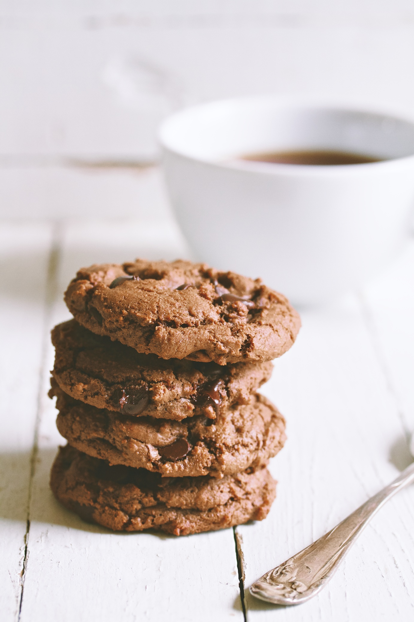 gently spiced double chocolate cookies | movita beaucoup