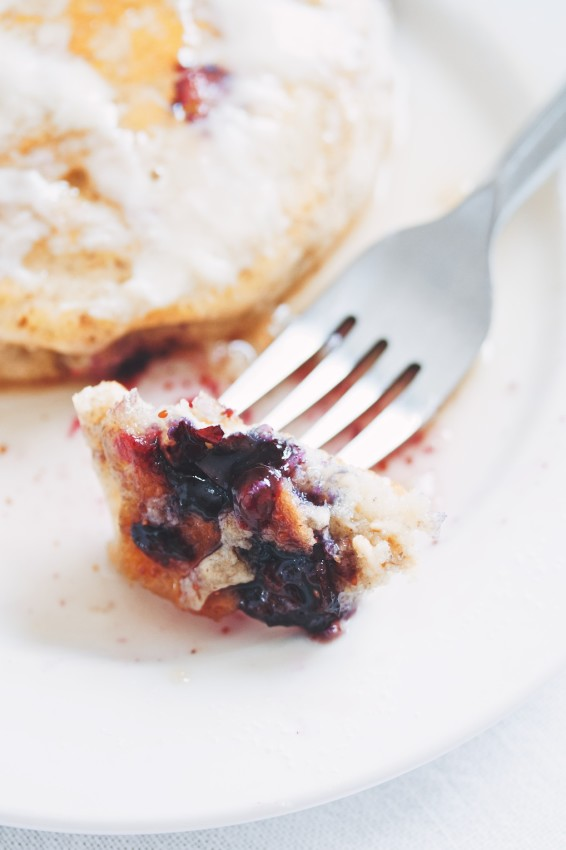 blueberry oat pancakes | movita beaucoup