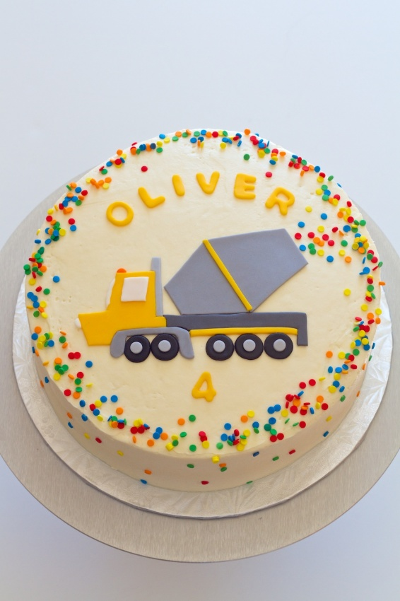 ready mix truck cake | movita beaucoup