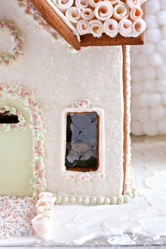 gingerbread house | movita beaucoup