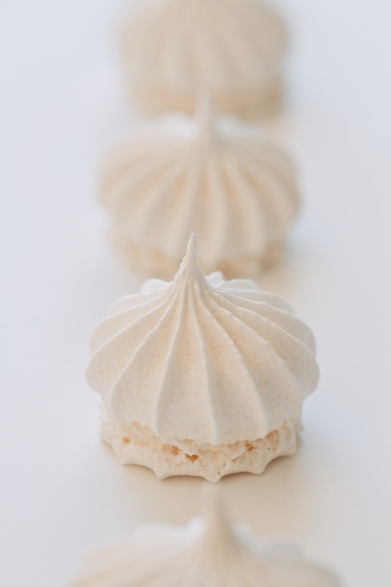 one egg white meringues | movita beaucoup