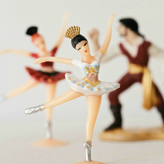 famous ballets explained (kind of) // la bayadère // movita beaucoup