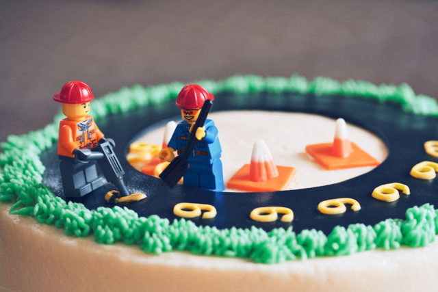 lego construction cake // movita beaucoup