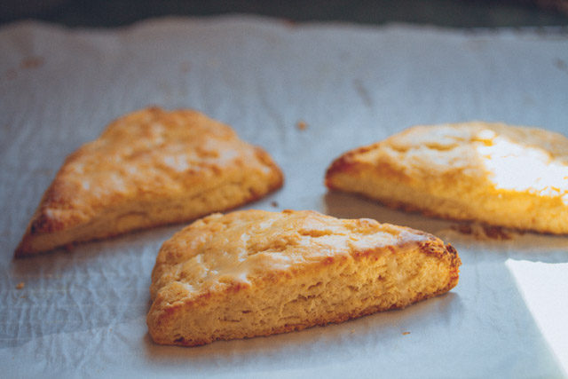 lemon scones // movita beaucoup